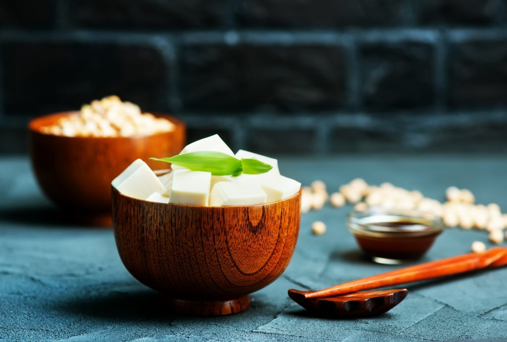 - tofu cheese natureshousegr 1024x692 - Επτά φυτικές τροφές με περισσότερο σίδηρο από το κρέας