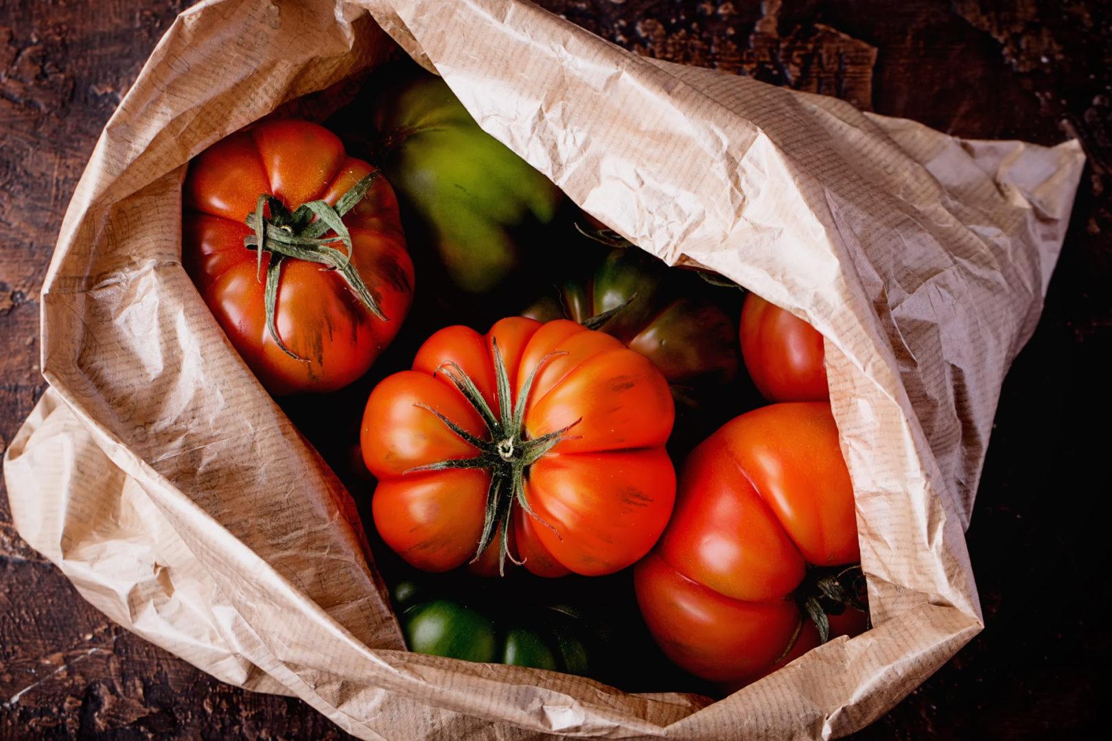 τροφές που ρίχνουν τη χοληστερίνη - selection of finest italian organic tomatoes - 6+1 τροφές που ρίχνουν τη χοληστερίνη